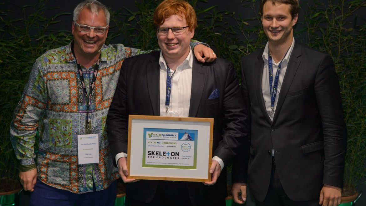 Skeleton Technologies wins the Best Startup award ecosummit 2015 London